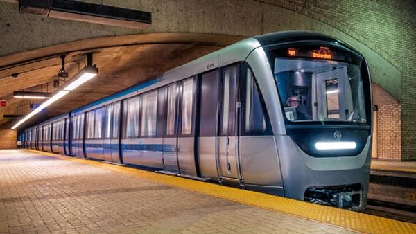 STM photo of Azur trains