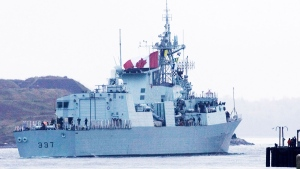 HMCS Fredericton leaves Halifax on Sunday, Oct. 25, 2009. (THE CANADIAN PRESS/Andrew Vaughan)