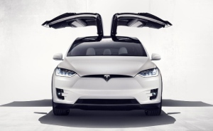 Tesla Model X SUV makes global auto show debut in Toronto (Photo: Tesla Motors)