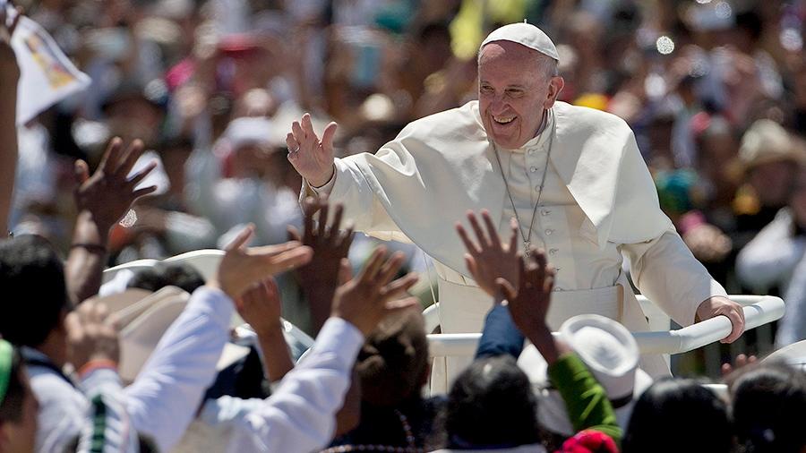 Pope Francis waves to the crowd as he leaves after celebrating Mass in San Cristobal de las Casas, Mexico, Monday, Feb. 15, 2016. (AP / Eduardo Verdugo)