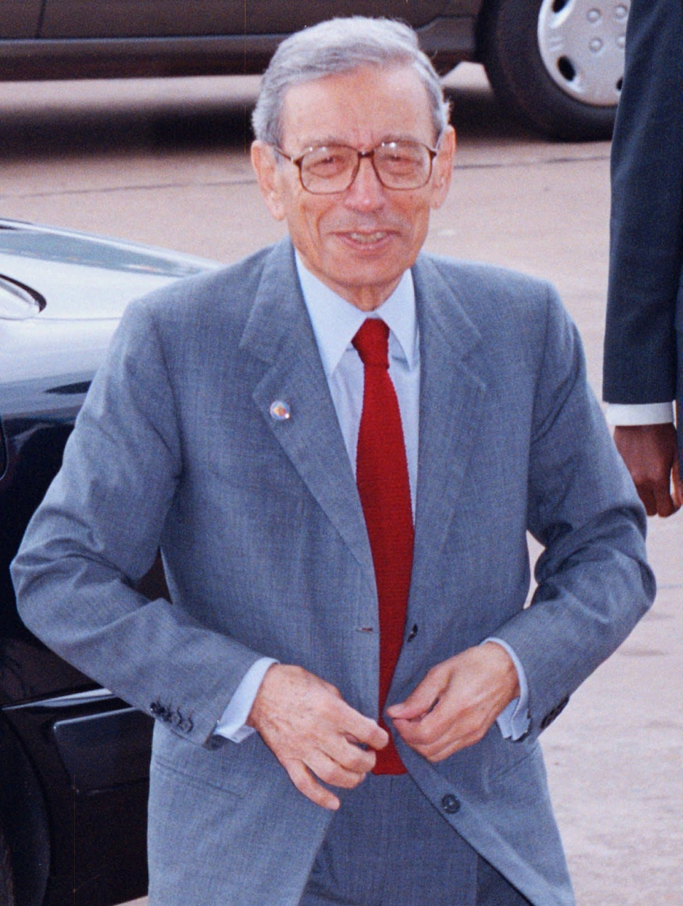 Former UN Secretary-General Boutros Boutros-Ghali enters the Congress Palace in Yaounde, Cameroon for day two of deliberations at the Organization of African Unity (OAU) Summit Tuesday July 9, 1996. (AP Photo/David Guttenfelder)