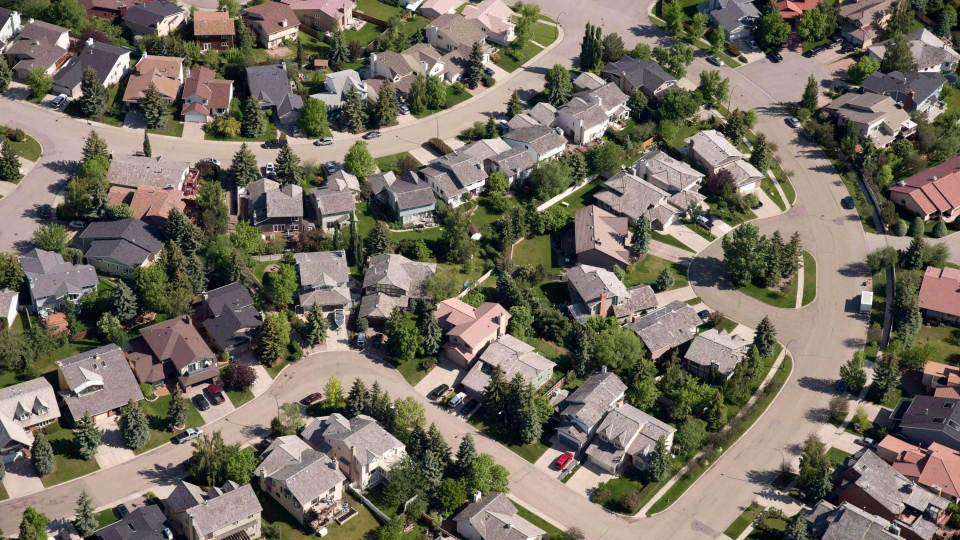 An aerial view of housing is shown in Calgary on June 22, 2013. (THE CANADIAN PRESS/Jonathan Hayward)