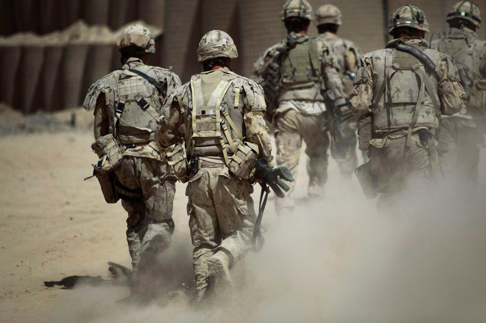 Canadian soldiers patrol southwest of Kandahar, Afghanistan, Monday, June 7, 2010. (Anja Niedringhaus / The Canadian Press)