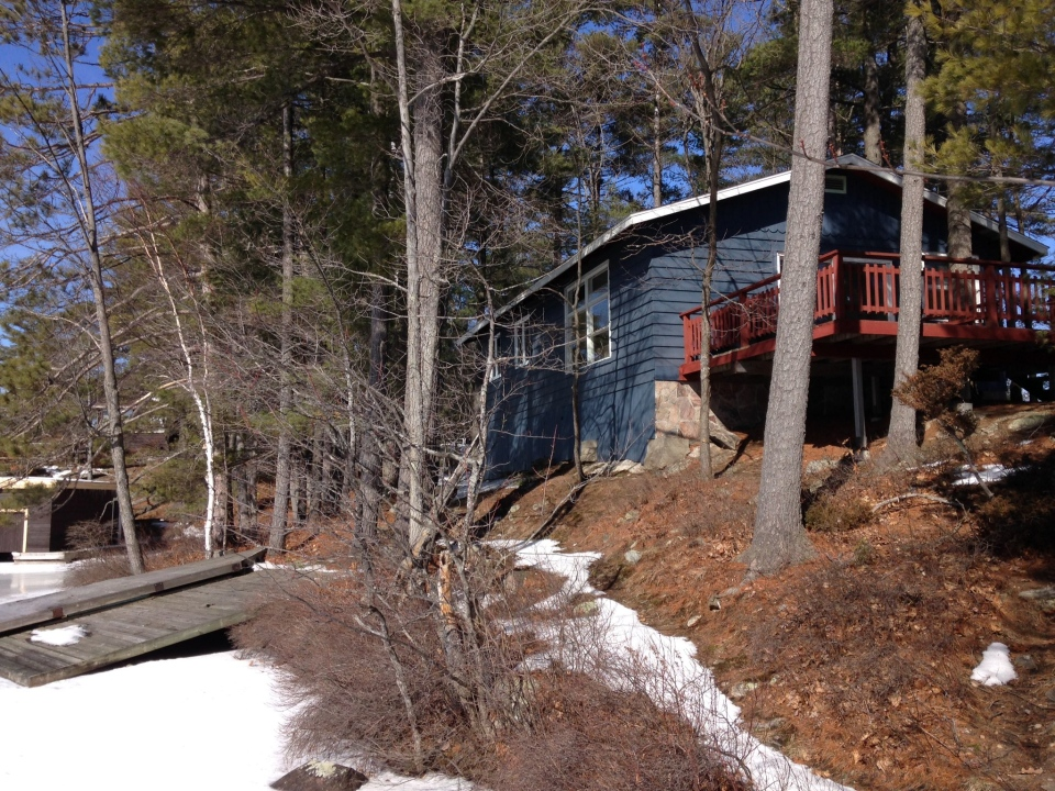 A cottage valued at $1.6-million can be seen in Muskoka Lakes Township, Ont. on Tuesday, Feb. 23, 2016. (Katherine Ward/ CTV Barrie)