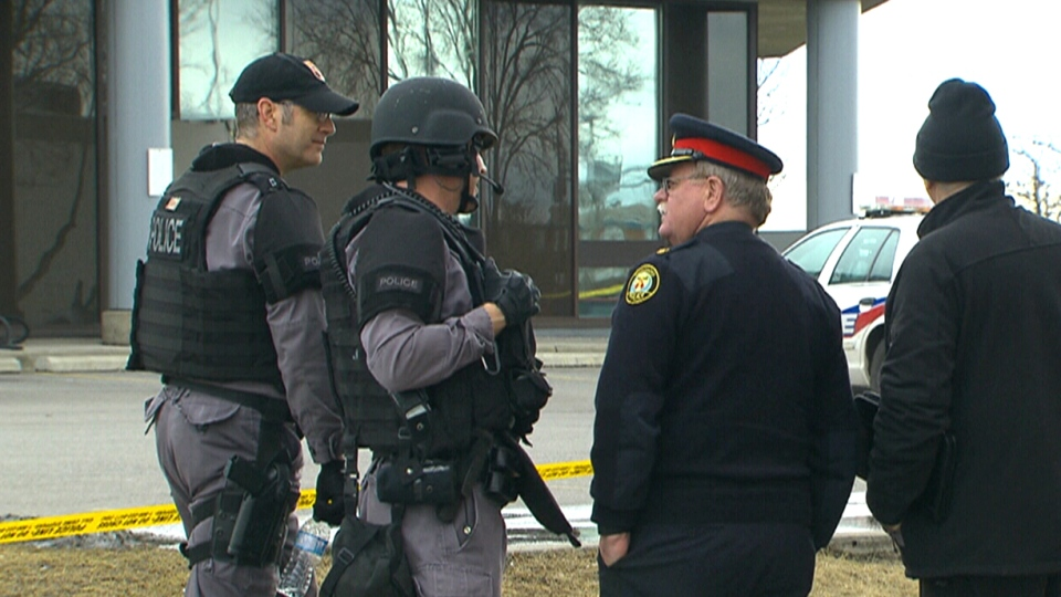 Why are robberies on the rise in Toronto?