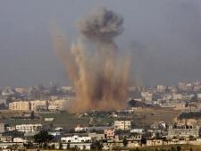 An explosion from an Israeli missile strike in the northern Gaza Strip is seen from the Israeli side in Kibbutz Niram, southern Israel, Sunday, Dec. 28, 2008. (AP / Ariel Schalit)