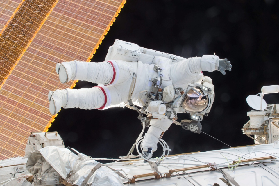 Expedition 46 Commander Scott Kelly participates in a spacewalk outside the International Space Station, Dec. 21, 2015. (NASA)