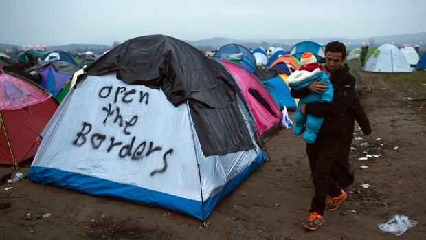 Refugees at the Greek-Macedonian border