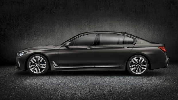 BMW unveils sedan in Geneva