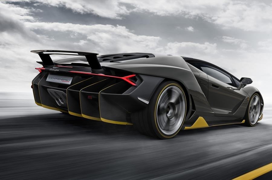 The rear view of the Lamborghini Centenario (Lamborghini)
