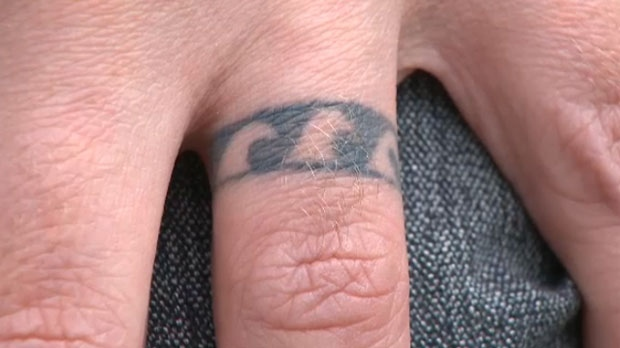 Aaron Thibeault's tattoo representing his lost wedding band and the three waves that led to its departure off the Hawaiian coast
