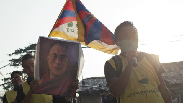 Vigil in support of Tibetans who immolated