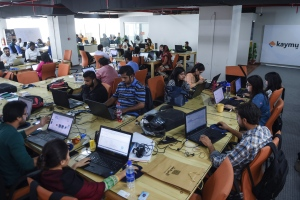 Pakistani employees of online marketplace company Kaymu at work in Karachi (AFP/Asif Hassan)