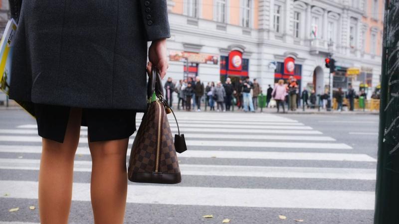 A business woman (Flickr/Marius Boatca)