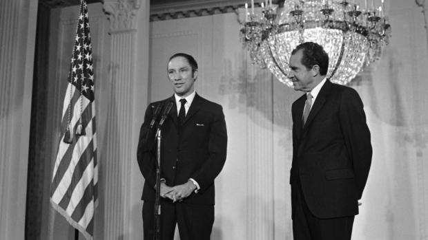 President Richard Nixon greets Trudeau