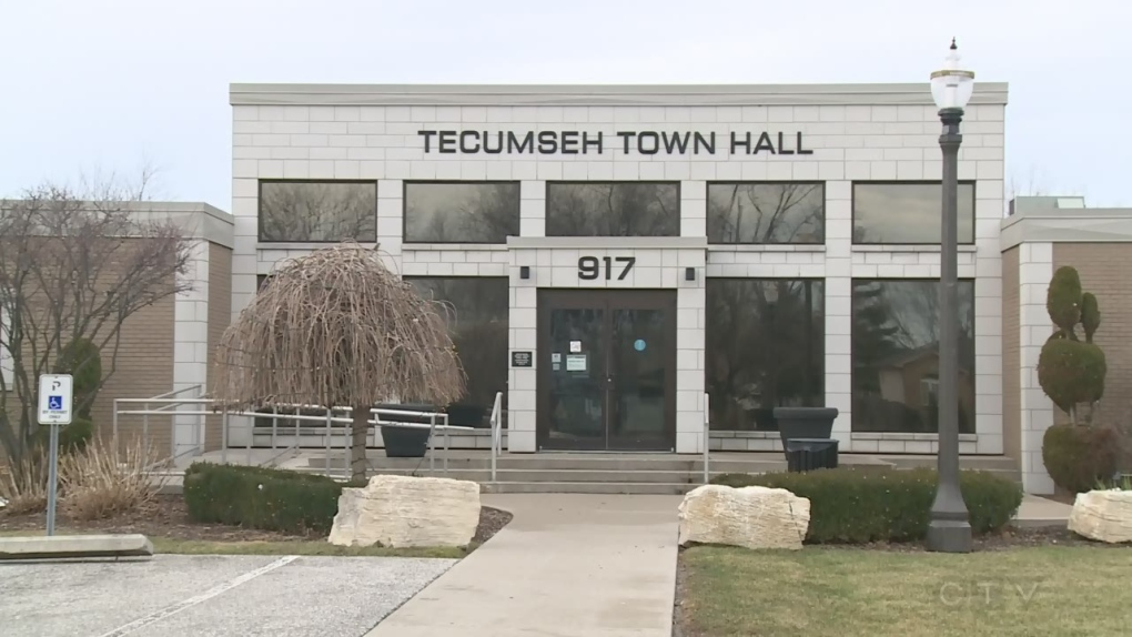 Tecumseh town hall