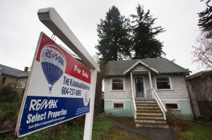 House for sale in Vancouver (Darryl Dyck/THE CANADIAN PRESS)