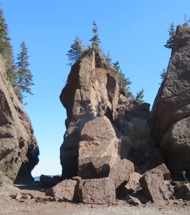 Hopewell Rocks collapse