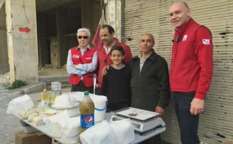 Canadian Red Cross CEO Conrad Sauve, far right, recently spent two weeks visiting refugees camps in Syria, Lebanon and Turkey.