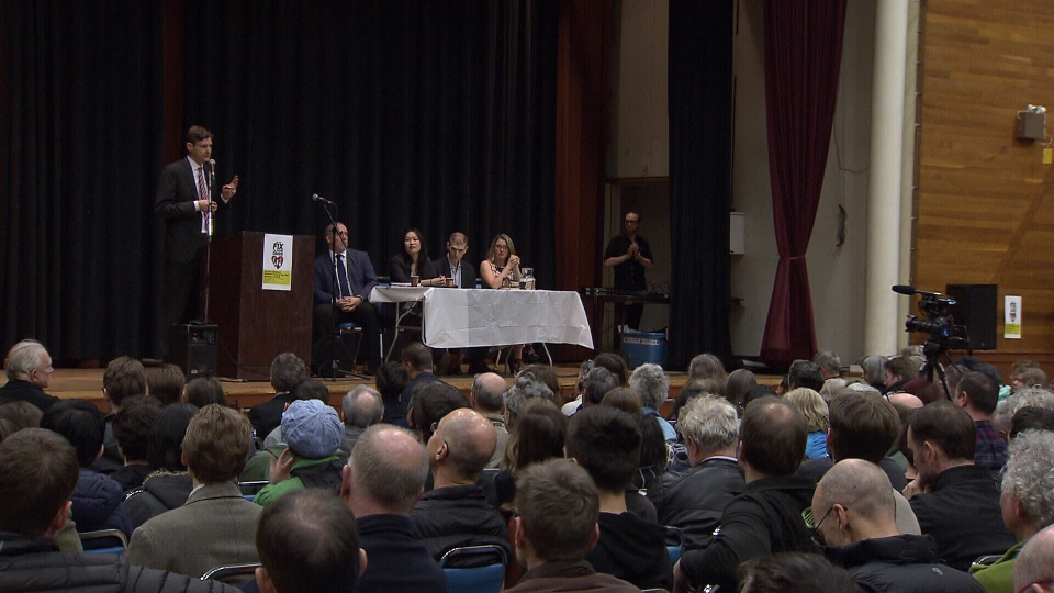 Hundreds of people turned up for an NDP-hosted town hall meeting on housing affordability in Vancouver on March 16, 2016. (CTV)