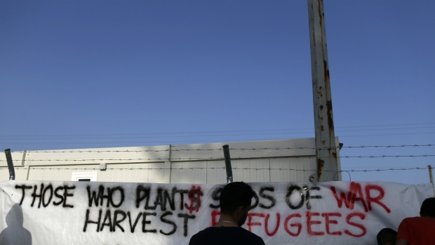 Migrants protest about treatment in Greece