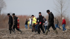 Searchers look for missing Manitoba boy