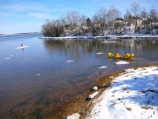 Rescuers save twins on ice floe