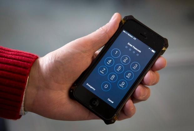 FBI unlocks iPhone