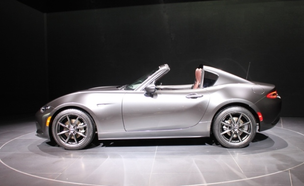 mazda miata evolved mx 5 rf gets retractable hardtop. Black Bedroom Furniture Sets. Home Design Ideas