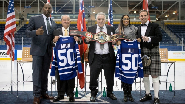 Chuvalo gets honourary belt from Lennox Lewis