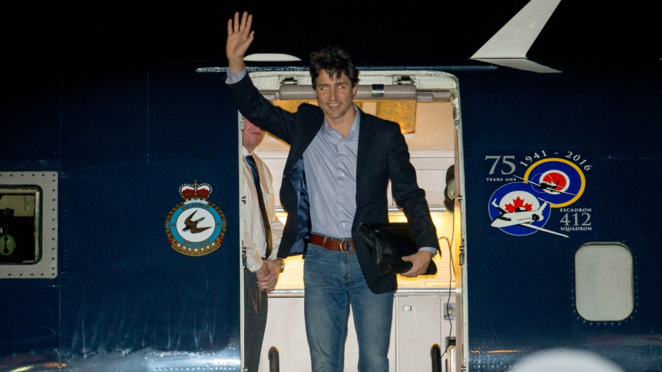 Canadian Prime Minister Justin Trudeau arrives at Andrews Air Force Base, Md., Wednesday, March 30, 2016. (AP / Andrew Harnik)