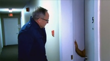 W5's Kevin Newman at the door of a prime suspect
