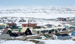 A scene from Iqaluit, Nunavut on April 25, 2015. (Paul Chiasson / The Canadian Press)