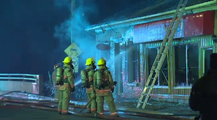 Business fire in downtown Ayr closed roads