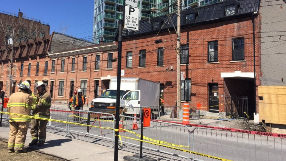 A sinkhole is forcing the demolition of a coop in Griffintown.