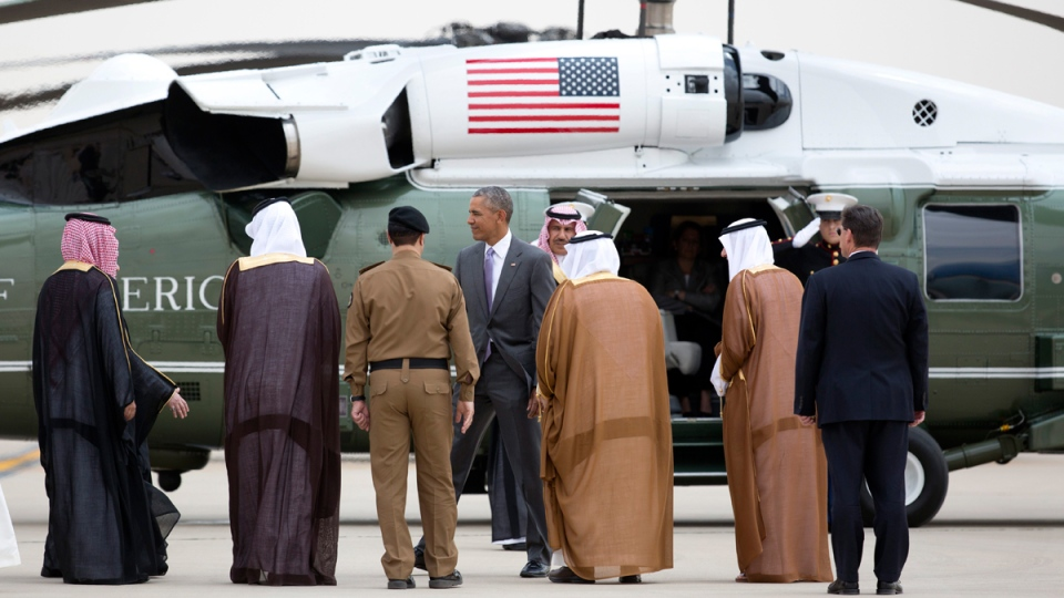 U.S. President Barack Obama is escorted to Marine One as he arrives at King Khalid International Airport in Riyadh, Saudi Arabia, on April 20, 2016. (Carolyn Kaster / AP)