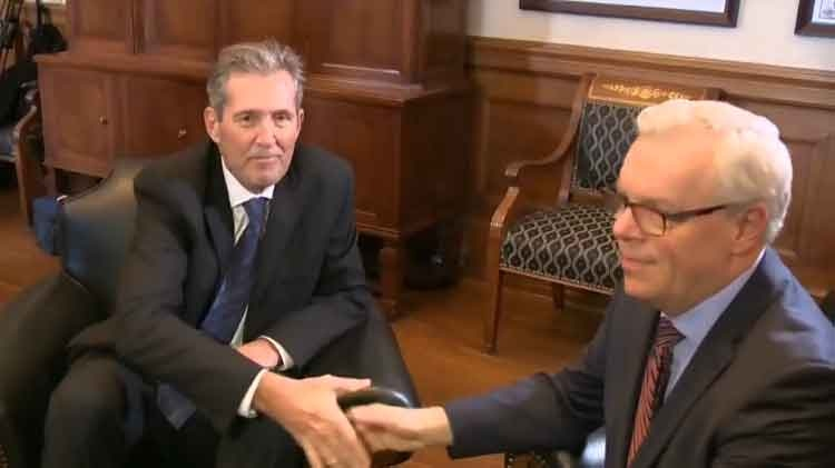 Brian Pallister had a sit down with outgoing Premier Greg Selinger to discuss the transition of power.
