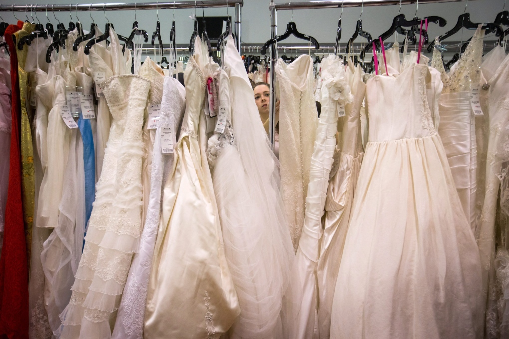 Tips For Selling Or Buying A Used Wedding Dress Online Ctv News,Resale Wedding Dress Website