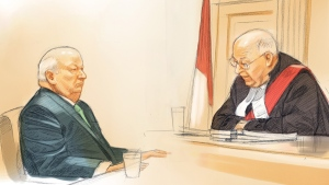 Sen. Mike Duffy (left) and Ontario Court Justice Charles Vaillancourt attend Duffy's trial in Ottawa on Thursday, April 21, 2016 in this courtroom sketch. (Greg Banning / THE CANADIAN PRESS)