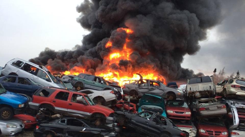 Junkyard fire that destroyed hundreds of cars deemed suspicious ...