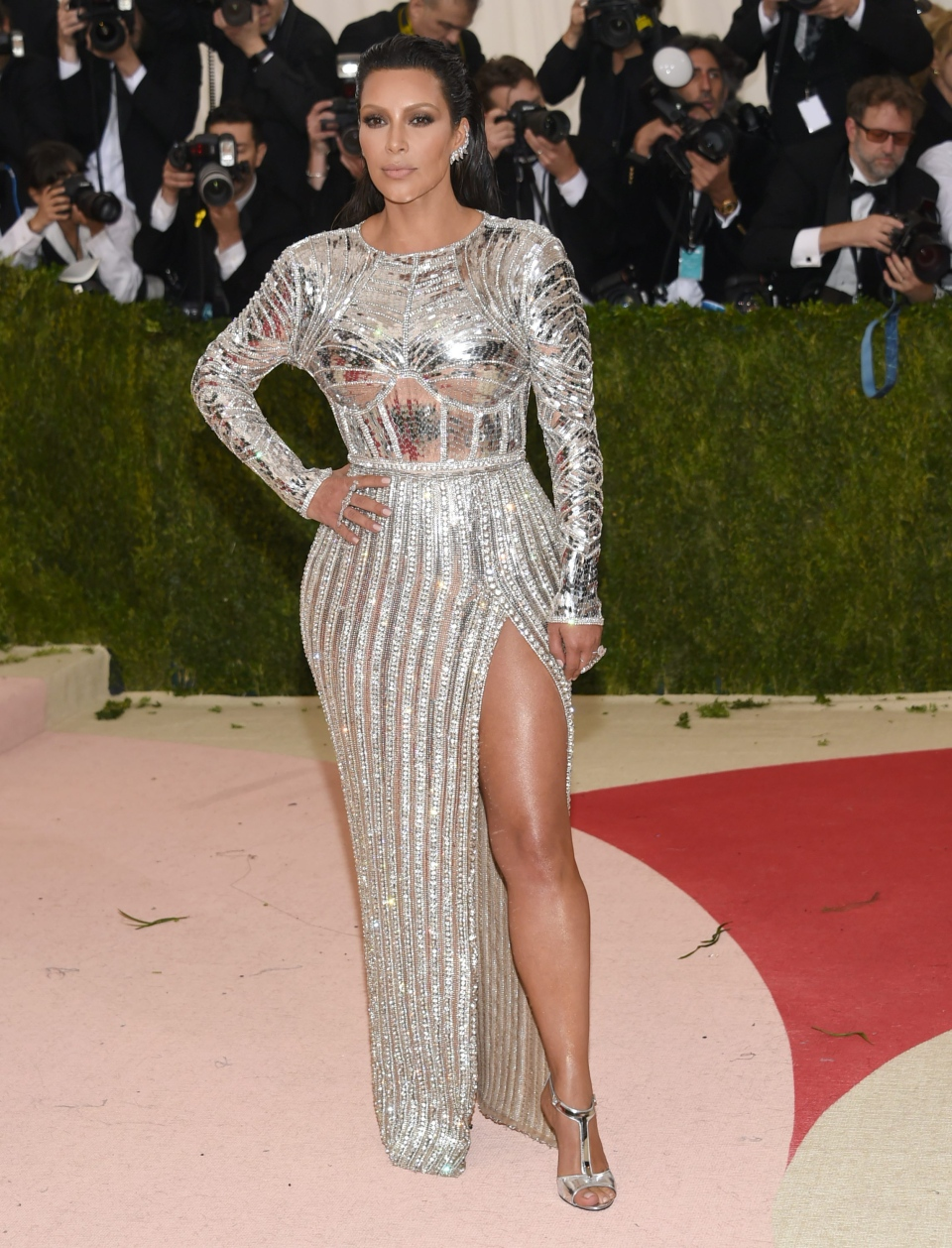 a420f7835fb Kim Kardashian arrives at The Metropolitan Museum of Art Costume Institute  Benefit Gala