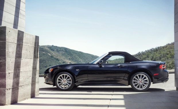 new fiat 124 spider pricing starts at 33 495 in canada ctv news autos. Black Bedroom Furniture Sets. Home Design Ideas