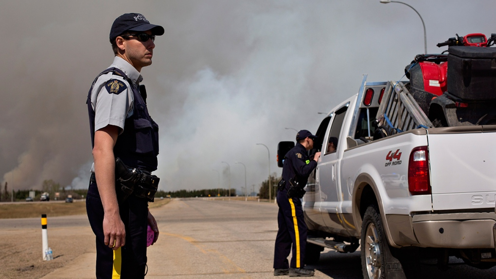 RCMP stop traffic in Fort McMurray