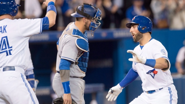 MLB scores: Blue Jays outscore Dodgers 5-2