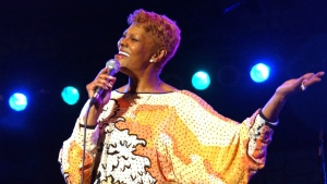 "In this Saturday, Jan. 29, 2005 file photo, Dionne Warwick sings ""I Say A Little Prayer"" at the Air Jamaica Jazz and Blues Festival, in Montego Bay, Jamaica. (AP Photo/Collin Reid, file)"