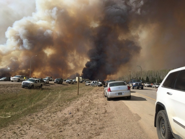 Escort Fort Mcmurray >> Rcmp To Escort Small Groups Into Fort Mcmurray To Retrieve