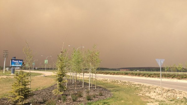 The wildfire in Fort McMurray continues to grow, Thursday, May 19, 2016. (Bill Fortier / CTV News)