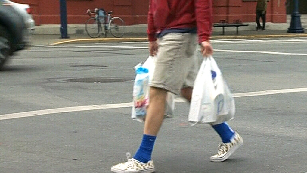 Victoria recommends voluntary fee on plastic bags