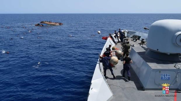 migrant boat retrieving 135