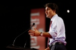 Prime Minister Justin Trudeau speaks delegates at the 2016 Liberal Biennial Convention in Winnipeg, Saturday, May 28, 2016. (John Woods / THE CANADIAN PRESS)